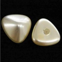 22MM Cream Pearl Triangle