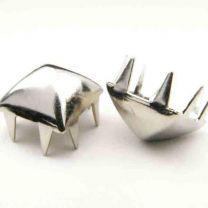 9MM_Silver_Pyramid_Nailhead_With_Prongs