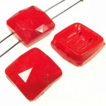 Vintage_14MM_Opaque_Red_Square