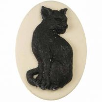 White_With_Black_Cat_Cameo_25x